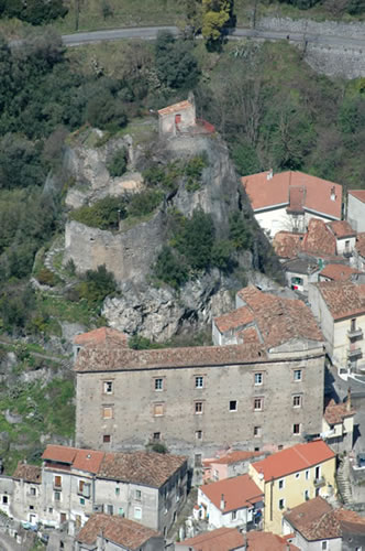 Thumbnail image for /public/upload/2016/7/636046346509745608_La torre e il castello.jpg